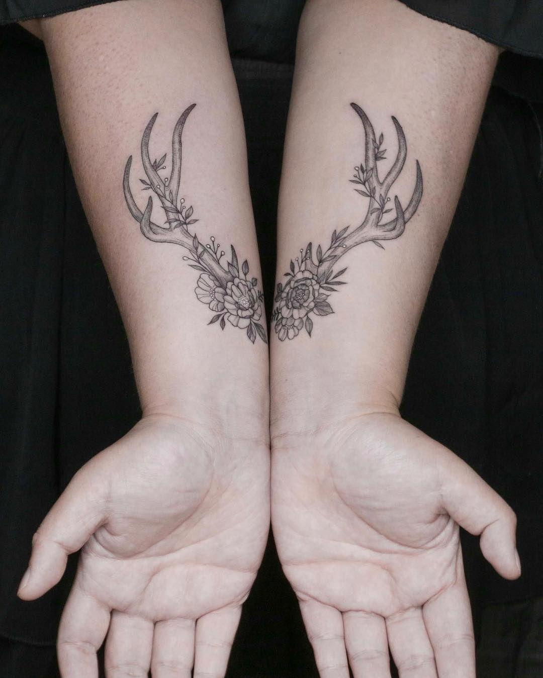 Floral Antler Tattoo: Tattoos Antlers #antlers #fineline #floral #flowertattoo