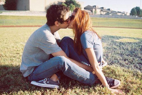 How To Kiss A Girl Boy Kissing Girl Kiss Girl Boy Boys