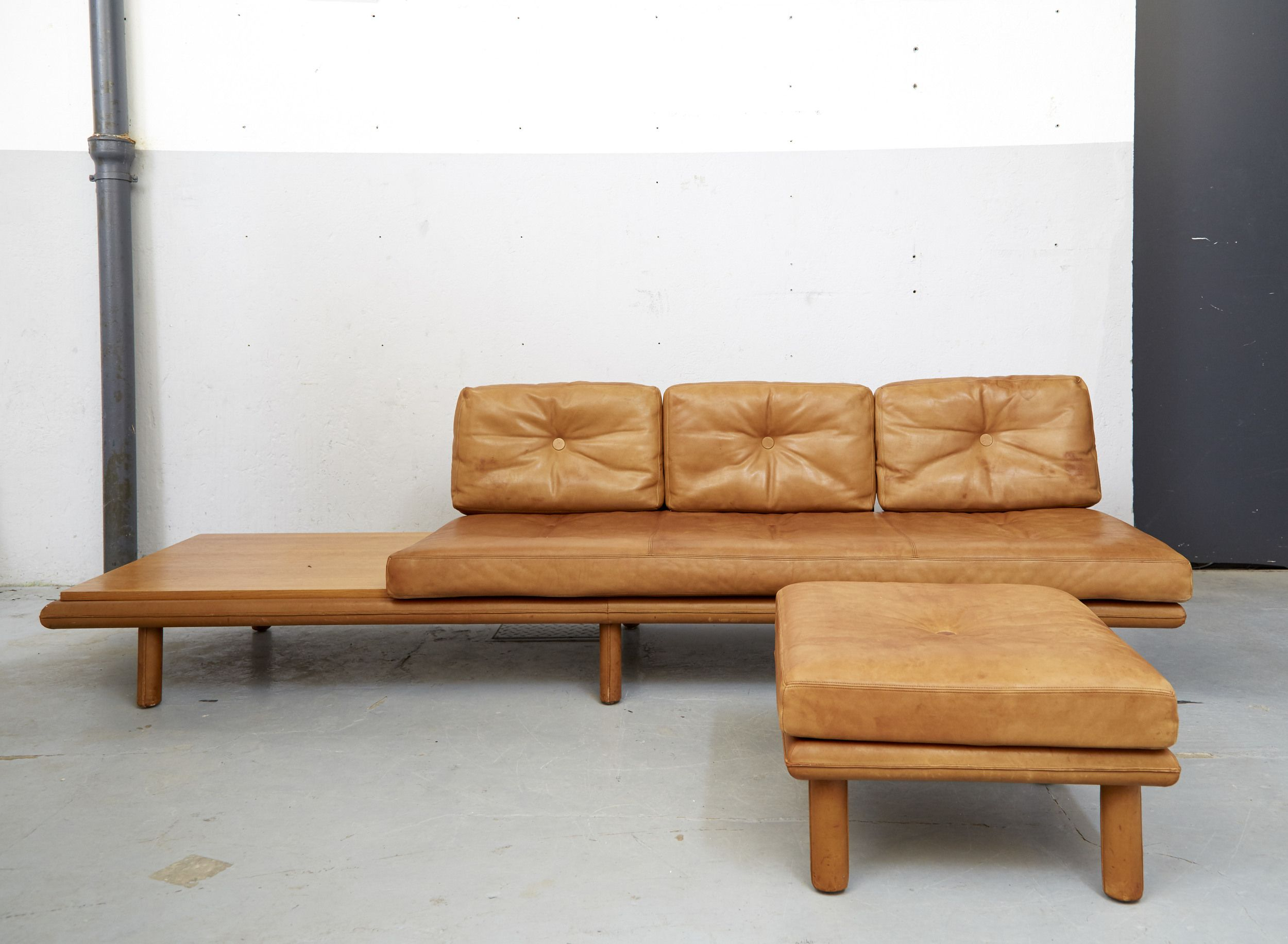 Daybed Modell #6603+Ottomane Und Tisch Von Franz K Ttgen F