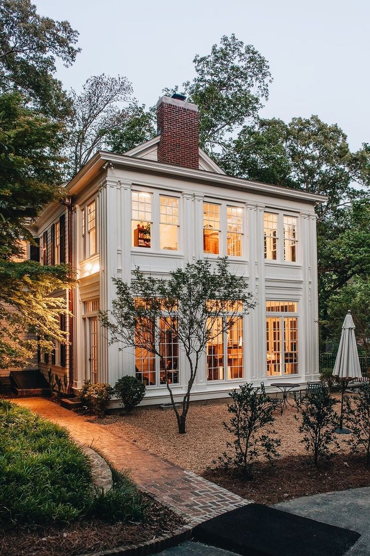 Krumdieck Architecture + Interiors / Mountain Brook, Alabama #exteriordecor
