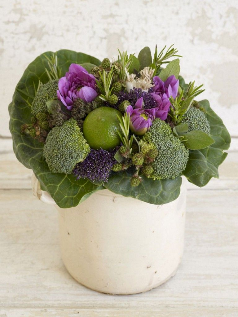 44 Lovely Fruit Flower Arrangements For Table Decorating Inspiration Vegetable Bouquet Flower Arrangements Fruit Flowers