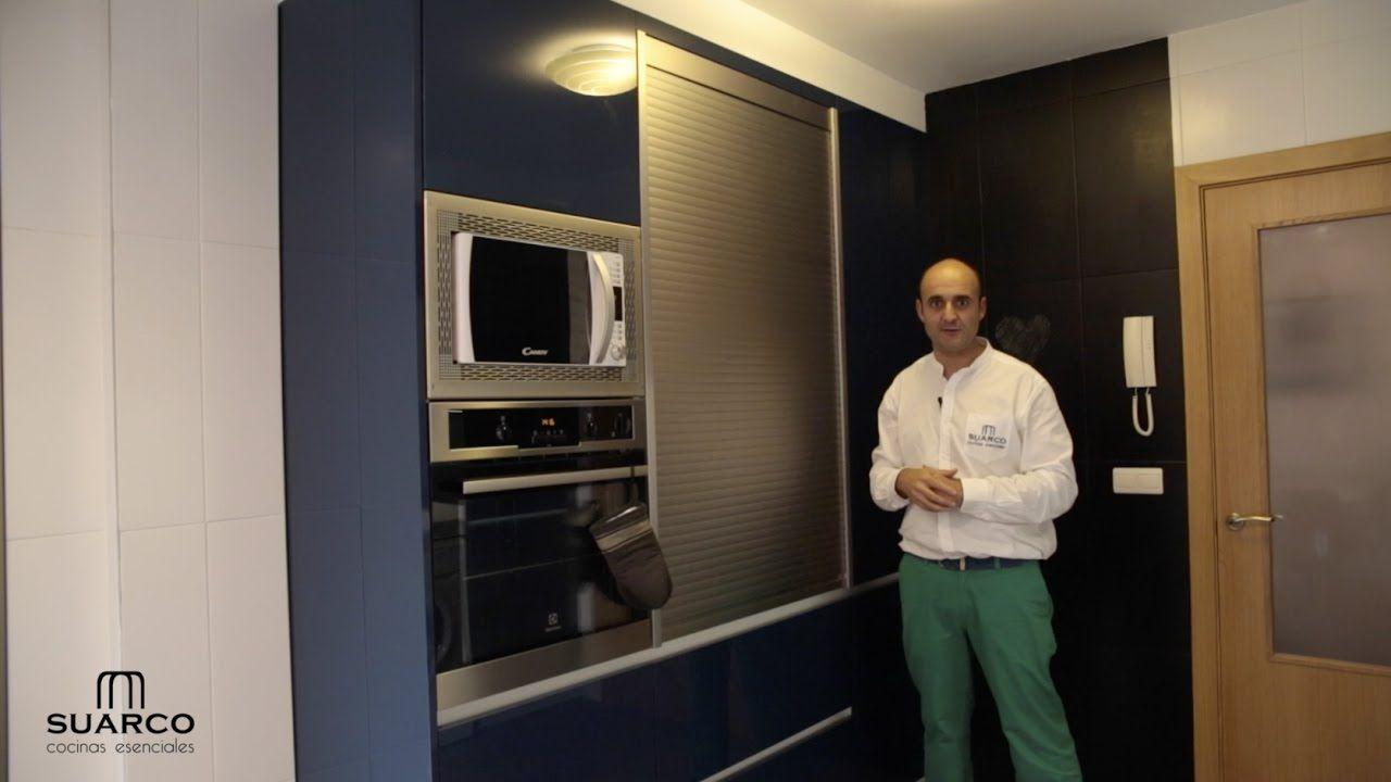 Vídeo de cocinas modernas en azul con blanco brillo perfil gola blanco y...