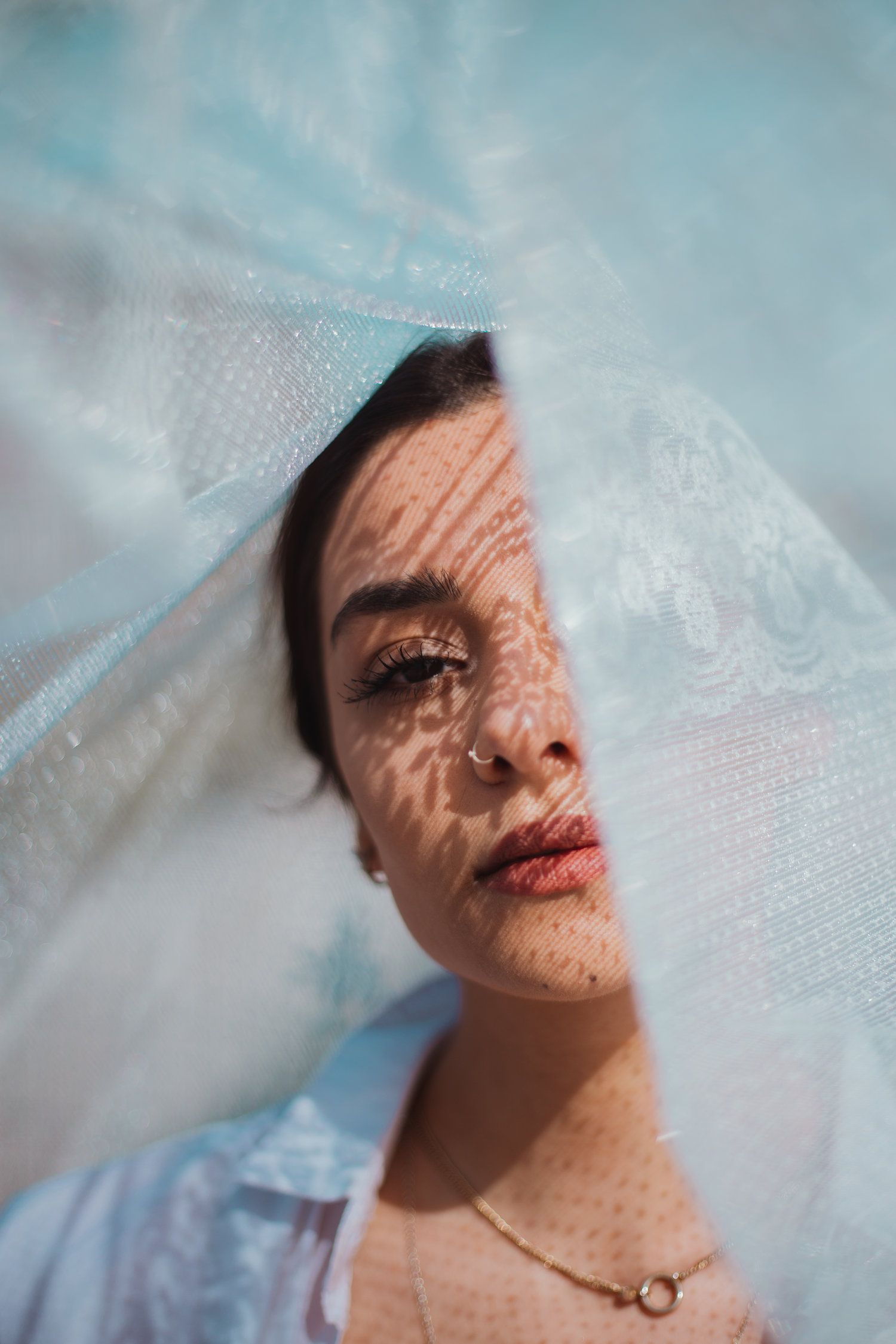 Creative Portrait Photoshoot With Lace Cloth With Rabia In Thor