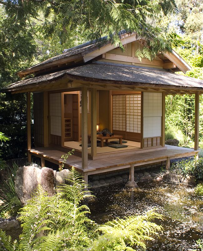 Traditional Japanese Home Decor: This Garden Complex, Constructed For A Private Residence