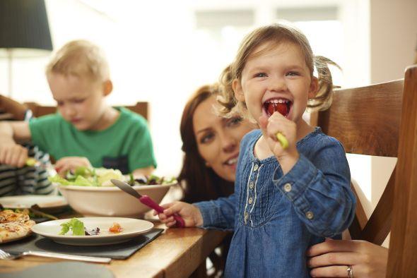 Unsere Mütter haben uns in unserer Kindheit immer das beste Essen gekocht und einen großen Beitrag dazu geleistet, dass wir groß und stark werden. Am Muttertag können wir uns dafür revanchieren und mal für Mutti kochen. Dieses Drei-Gänge-Menü drückt mehr Dankbarkeit aus als jedes Geschenk. http://www.fuersie.de/muttertag/artikel/mamas-muttertagsmenue