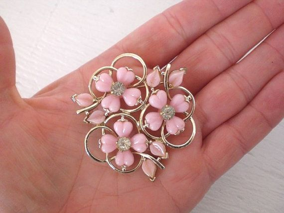 Vintage Rhinestone Pink Flower Brooch Gold by GallivantsVintage ... d924ccb2e109