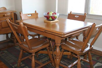 Pin By Debbie Barker On Willett Furniture Antique Dining Room Table Maple Furniture Antique Dining Rooms
