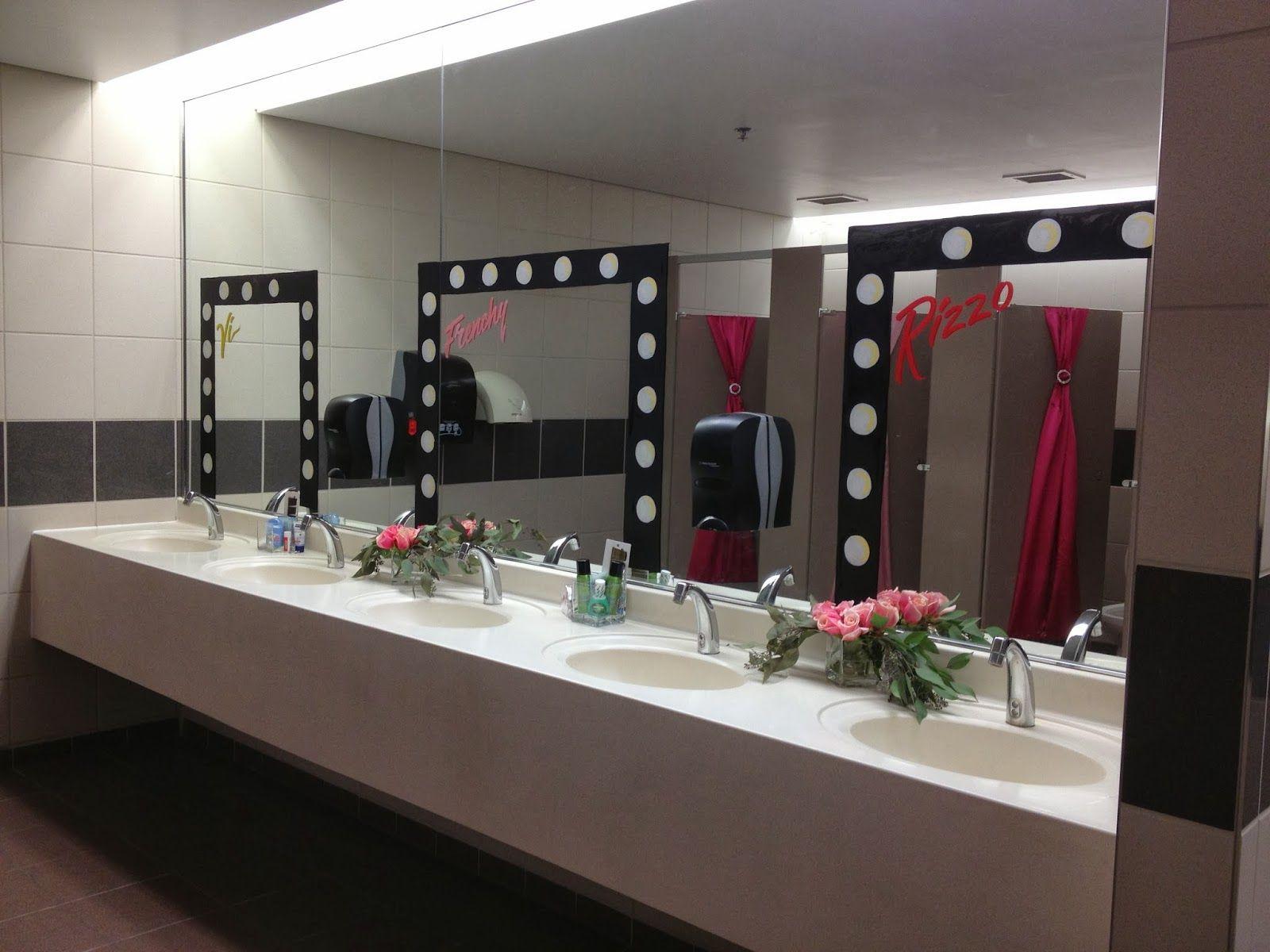 Kleur design reuni bathroom lighting mirror and