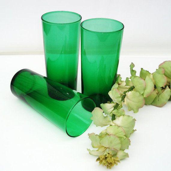 Green Glassware Pantone Emerald Anchor Hocking By Whimzythyme Green Glassware Anchor Hocking Glassware Colored Glassware