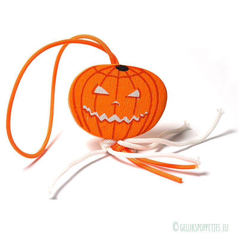 Groothandel Halloween Decoratie.Gelukspoppetje Pompoen Per 50 Stuks Prijs Op Aanvraag Leuk Voor Haloween Op Cadeautjes Een Halloween Party Of Voor Je Personee Halloween Cadeautjes Pompoen