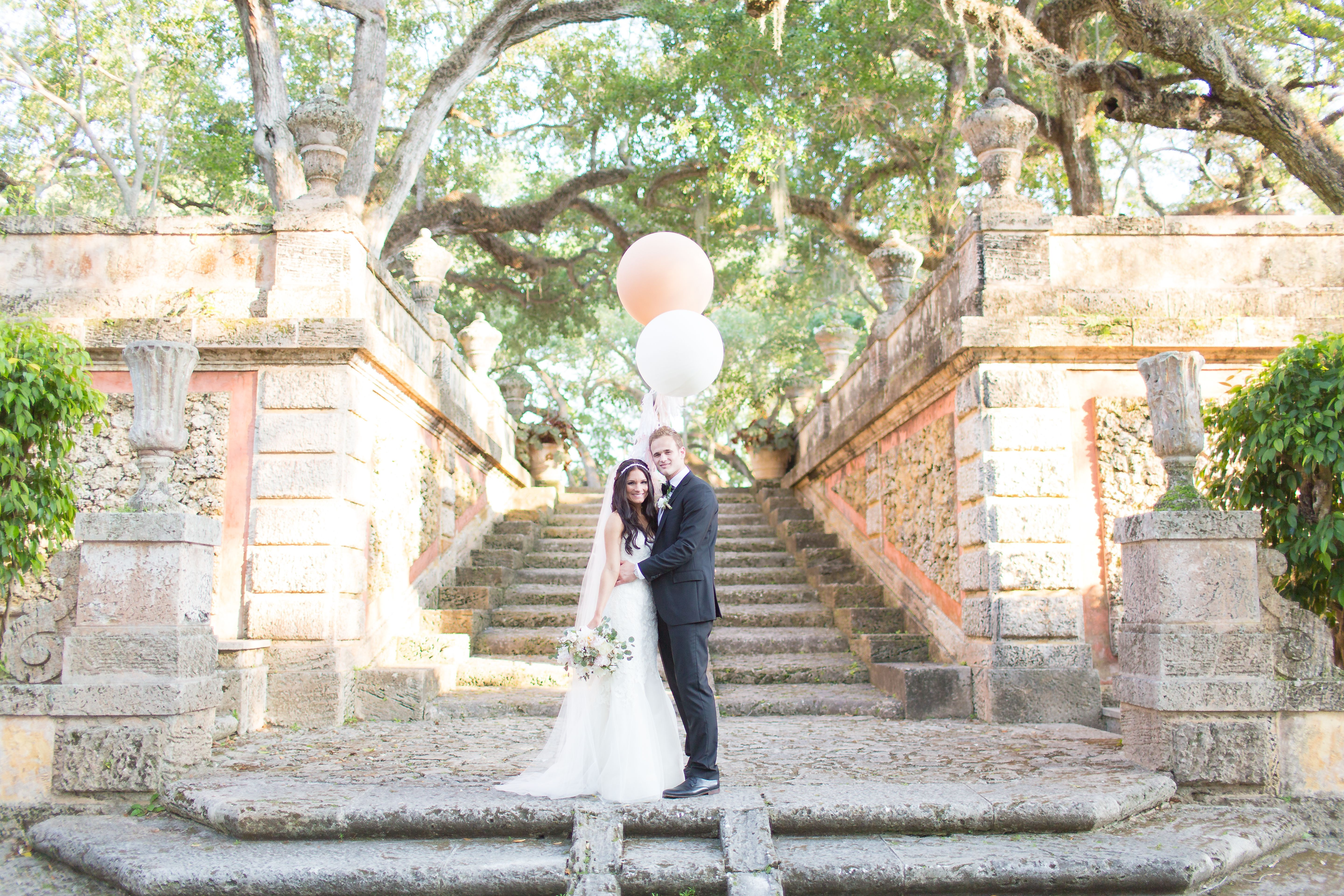 Featured On The Knot A Romantic Garden Wedding At Vizcaya Museum And Gardens In Miami Florida Romantic Garden Wedding Romantic Garden Real Weddings Photos