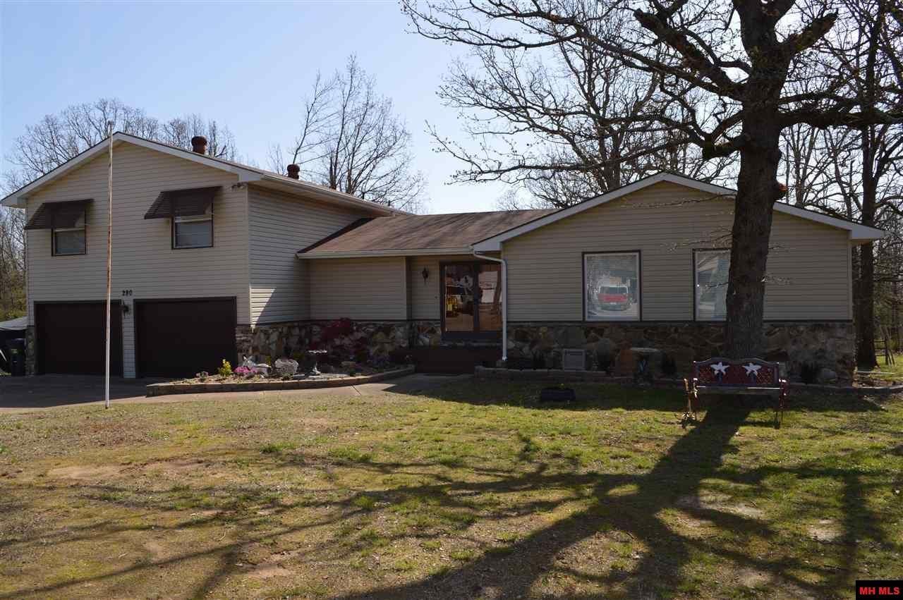 Mls 113961 174 900 3 Bed 2 5 Bath 1 2 Acre Mountain Home Mountain Home Real Estate Home