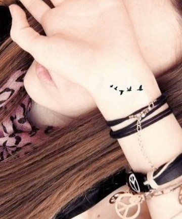 Photo of 27 Wrist Tattoos That Are Anything But Basic