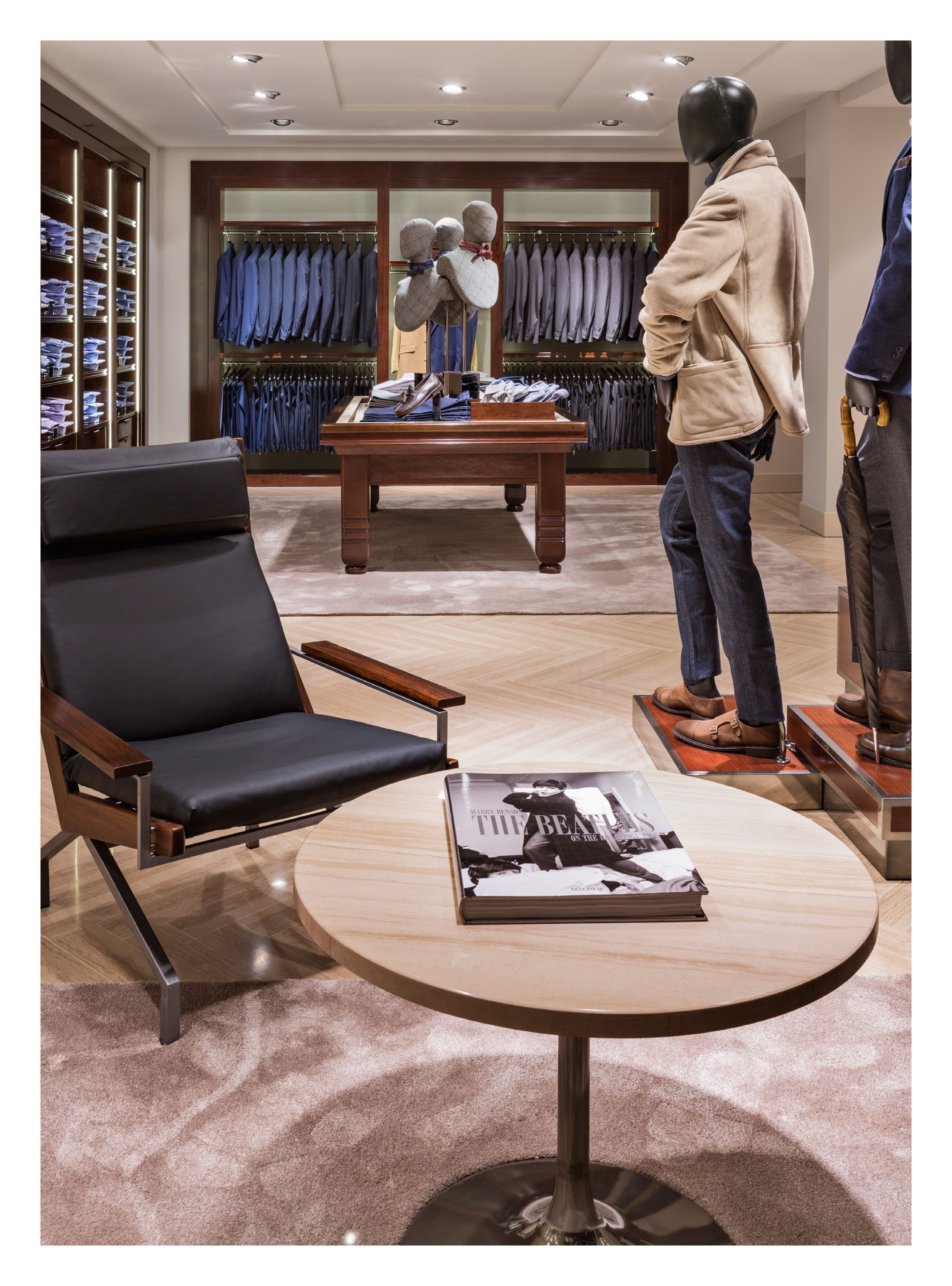 Massimo Dutti Flagship Store Serrano 48 Madrid Basement Floor Men S Collection Clothing Store Interior Store Design Luxury Interior Design