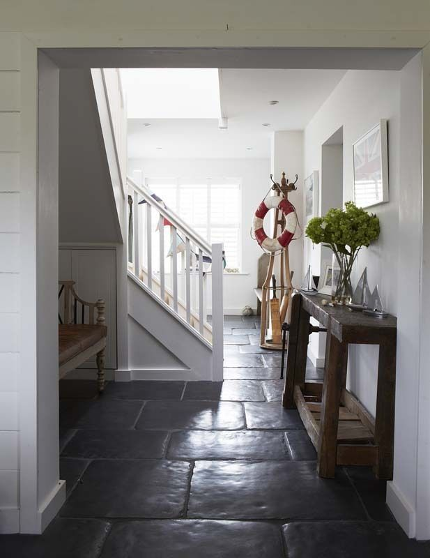 50 ways to spruce up your hallway beach cottages cottage style