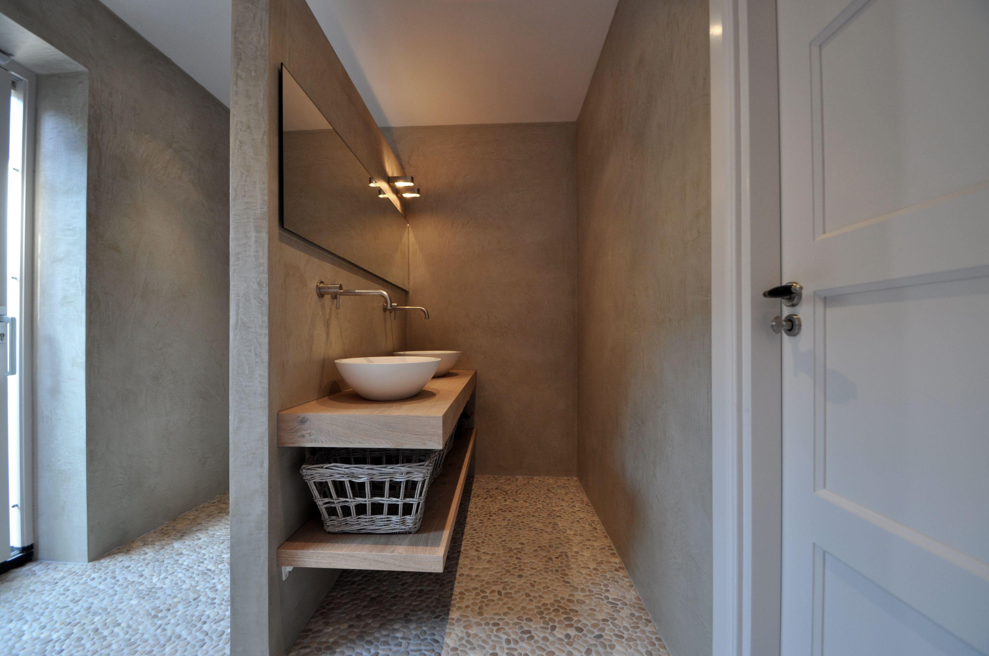 Badkamer Met Kiezelvloer : Mozaiek riverstone pebble kiezelvloer grey
