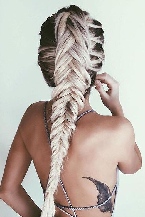 Classic Fishtail Braid on our girl @emilyrosehannon with her custom-toned Ash Blonde #LuxyHairExtensions <3