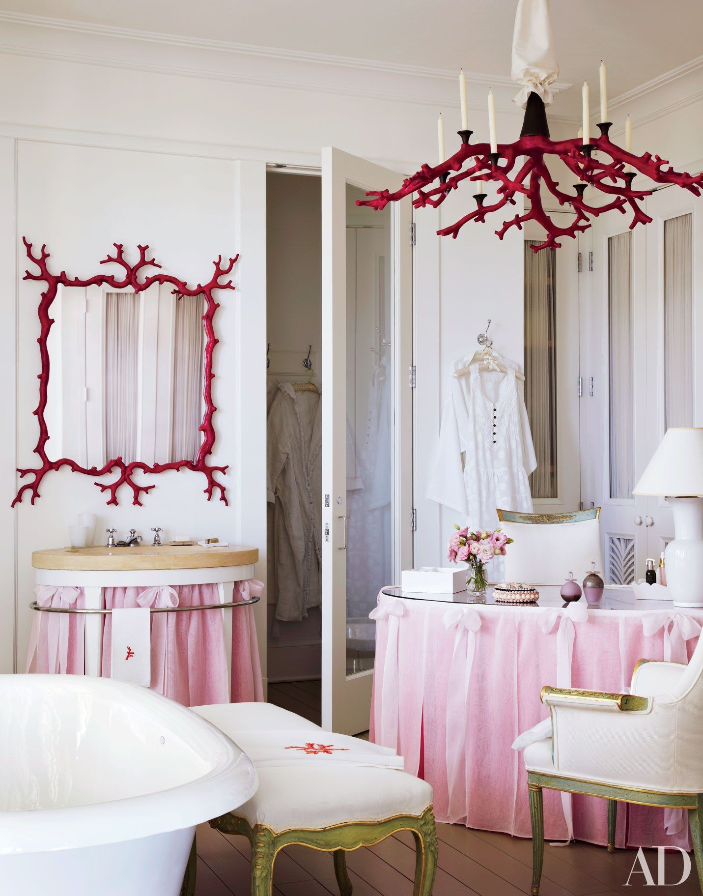 9 rooms that unabashedly showcase pink dressing tables vanities 9 rooms that unabashedly showcase pink geotapseo Image collections