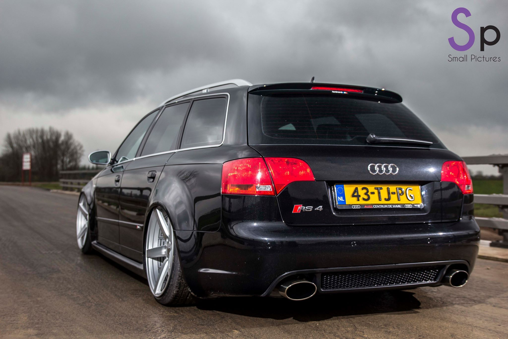 found this sick audi rs4 on facebook hoping to receive. Black Bedroom Furniture Sets. Home Design Ideas