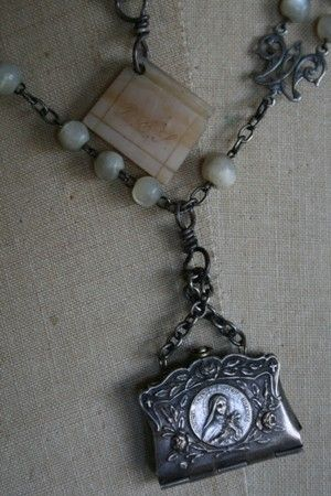 Books and Pearls by amyhanna on Etsy