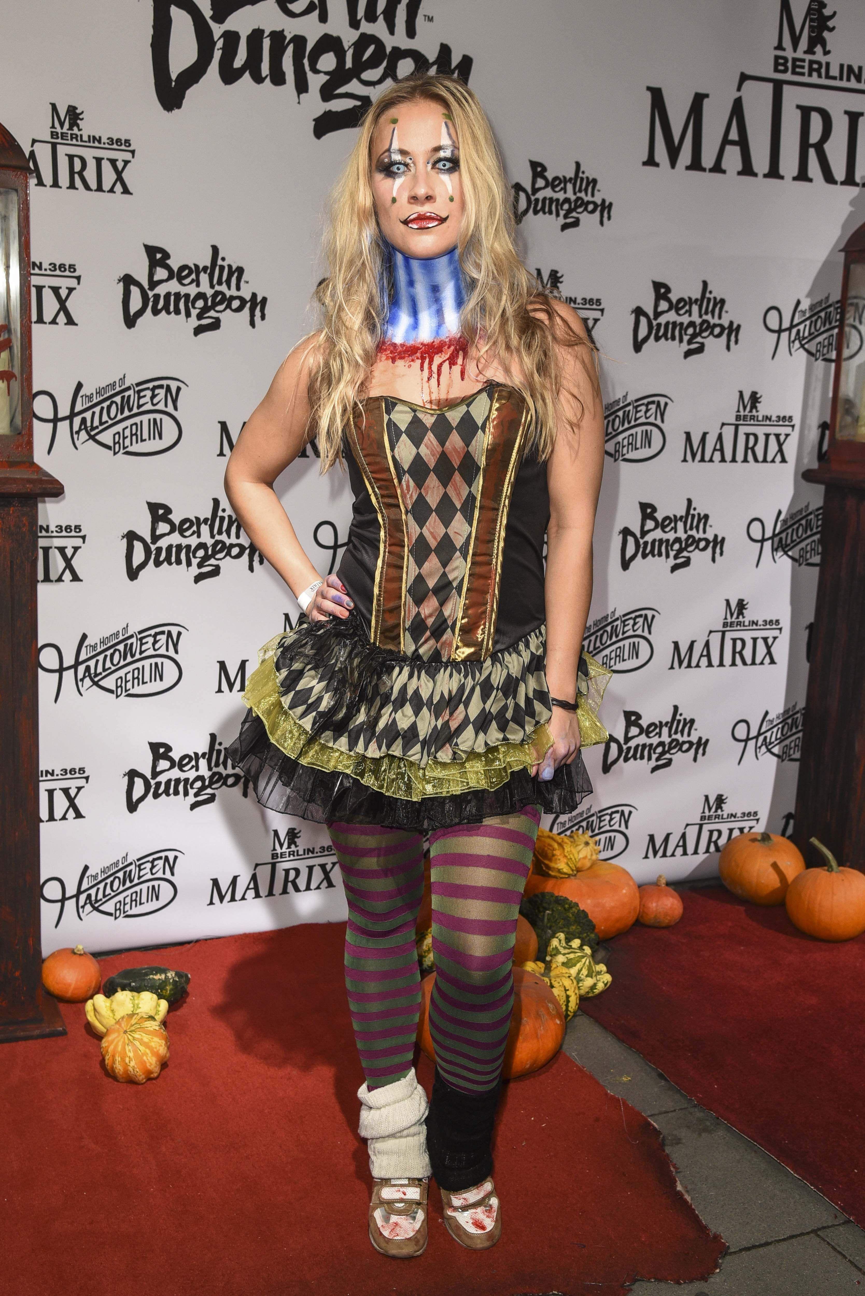 Sina Tkotsch | Sexy HallOween | Sexy, Fashion et Halloween