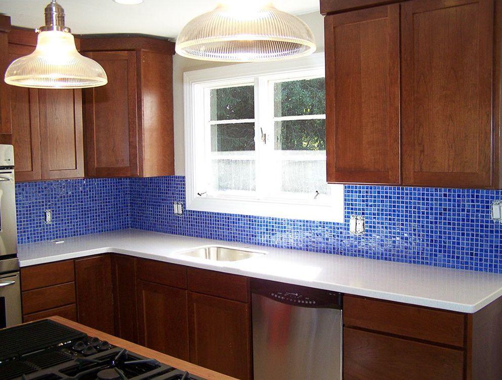 cobalt blue backsplash tile #modernbacksplashdarkcabinets