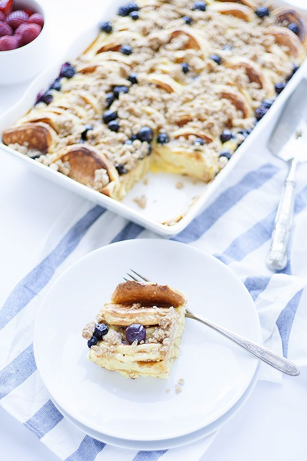 Lemon-ricotta overnight pancake casserole with blueberries #pancakecasserole