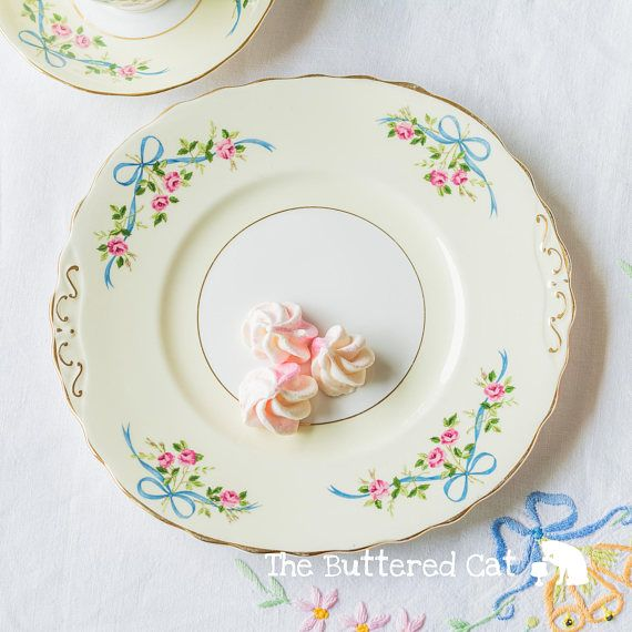Pretty vintage cake plate with blue ribbon bows pink roses & Pretty vintage cake plate with blue ribbon bows pink roses | Vintage ...