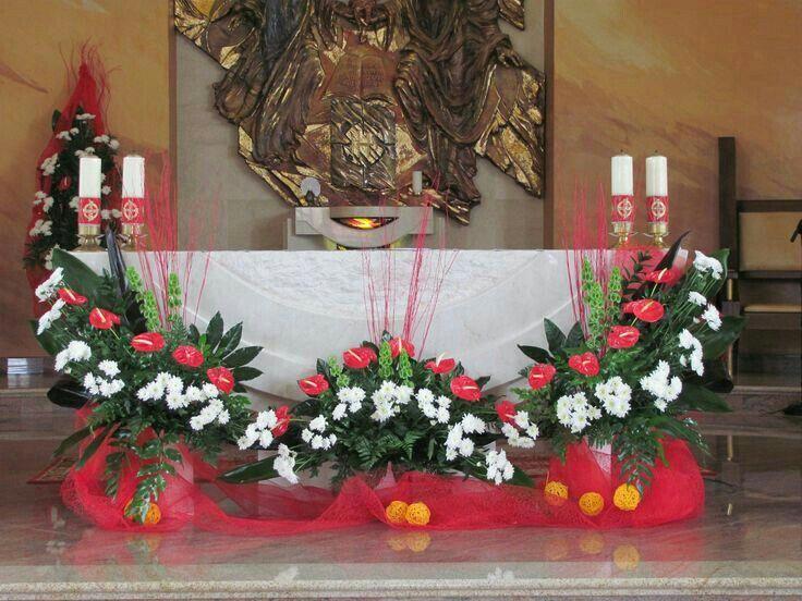 Es Ta Muy Bonito Y Me Encanta Para Mi Parroquia Tropical Flower Arrangements Church Flower Arrangements Creative Flower Arrangements