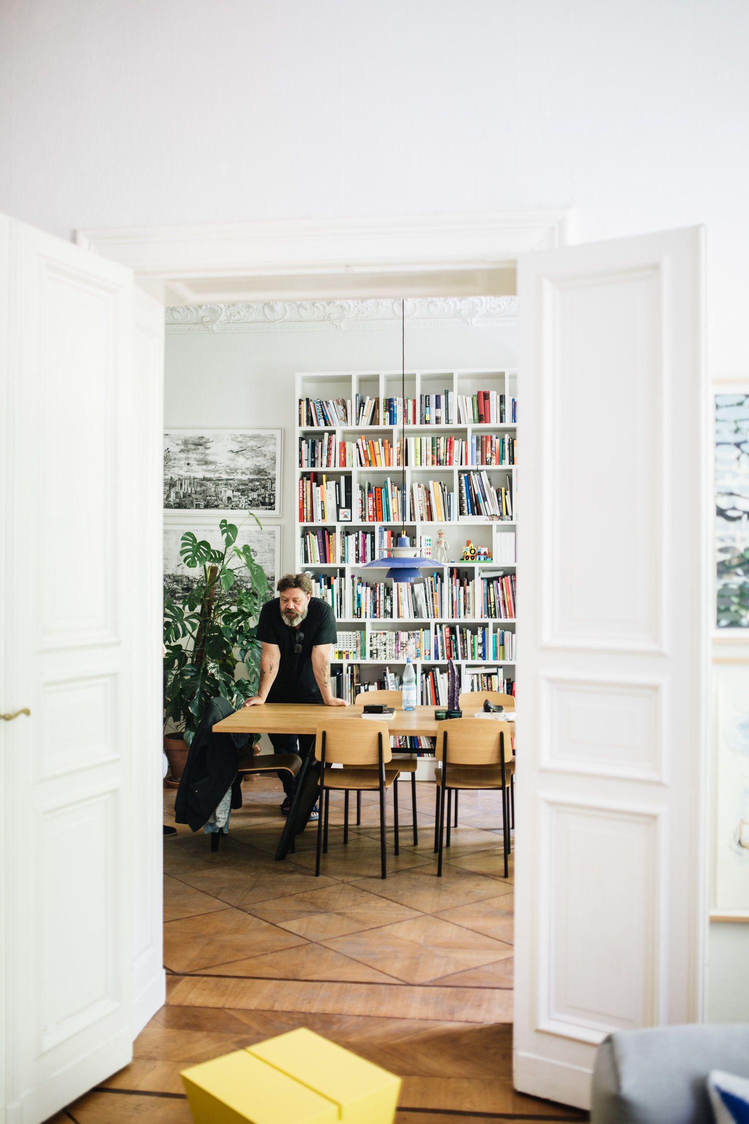 Zu Besuch Bei Eike Konig Herz Und Blut Interior Design Lifestyle Travel Blog In 2020 Design Flugelturen Zuhause