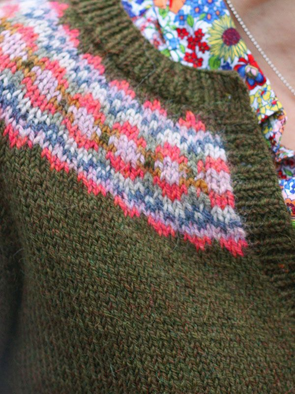 ccbe13f0cab9da ... Amy Christoffers Fair Isle frames the neck