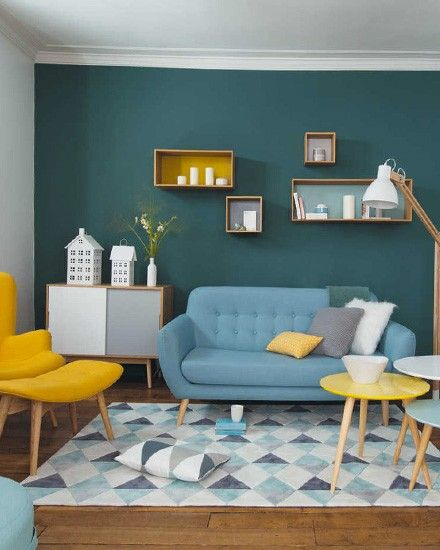 Un salon vintage en jaune et bleu | living spaces | Retro living ...