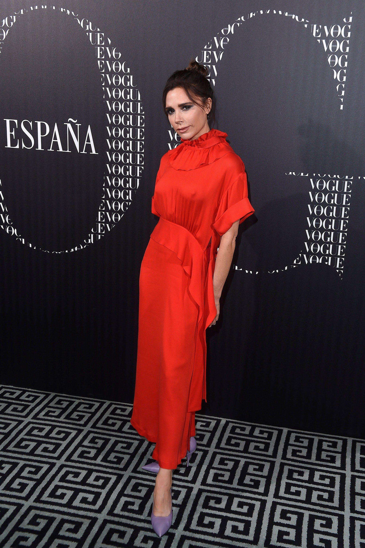 Victoria Beckham Gives The Dancing Emoji Dress A Makeover Victoria Fashion Victoria Beckham Style Dresses [ 3000 x 2000 Pixel ]