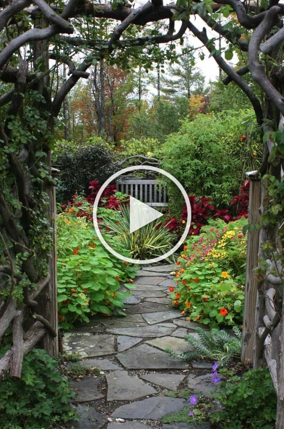 Garden Entry With Slate Flagstone Pathway Flagstonepathway Garden Entry With Slate Flagstone Pathway Flag In 2020 Flagstone Pathway Stone Pathway Pathway Landscaping