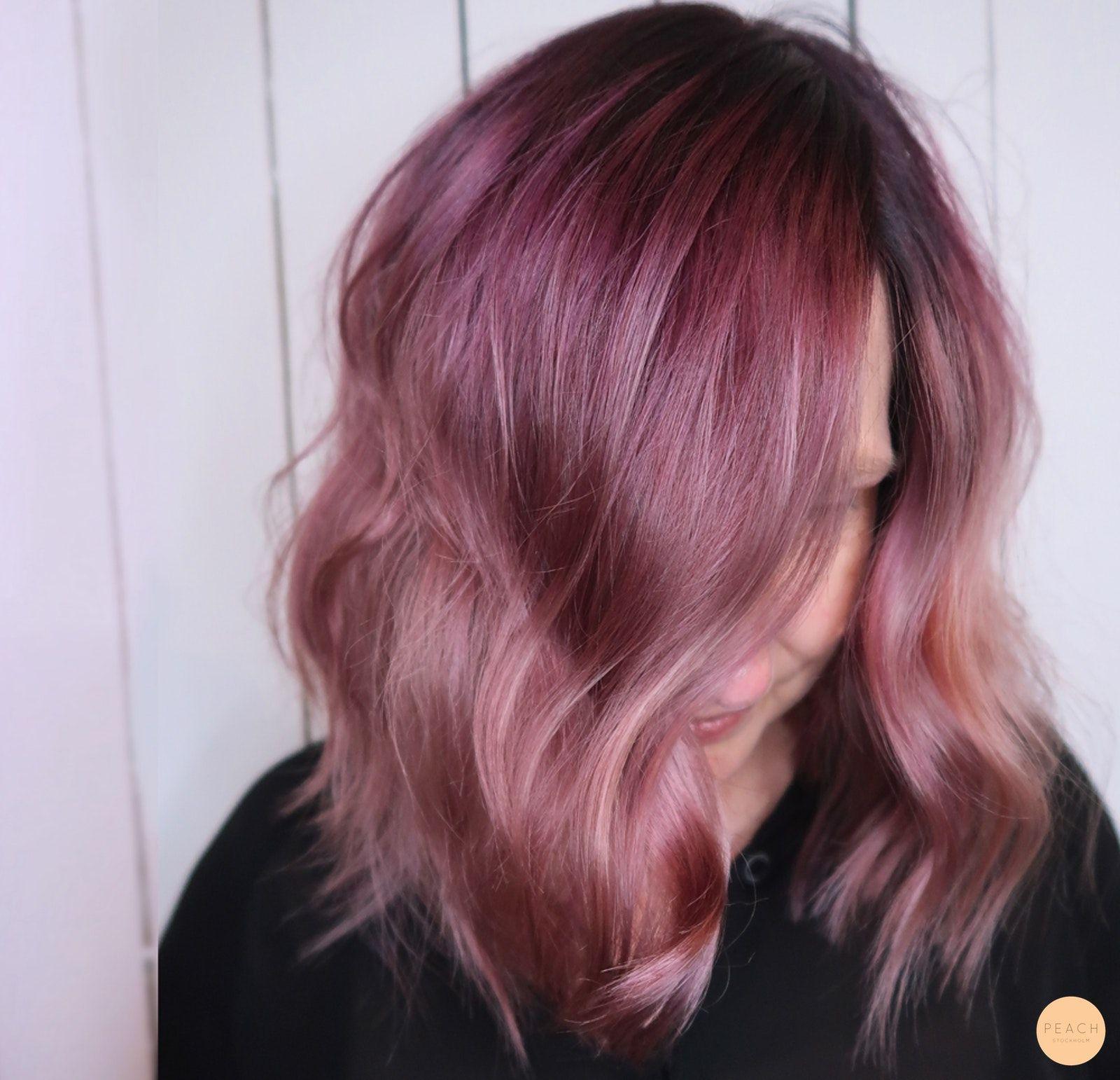 färga håret rosa från brunt