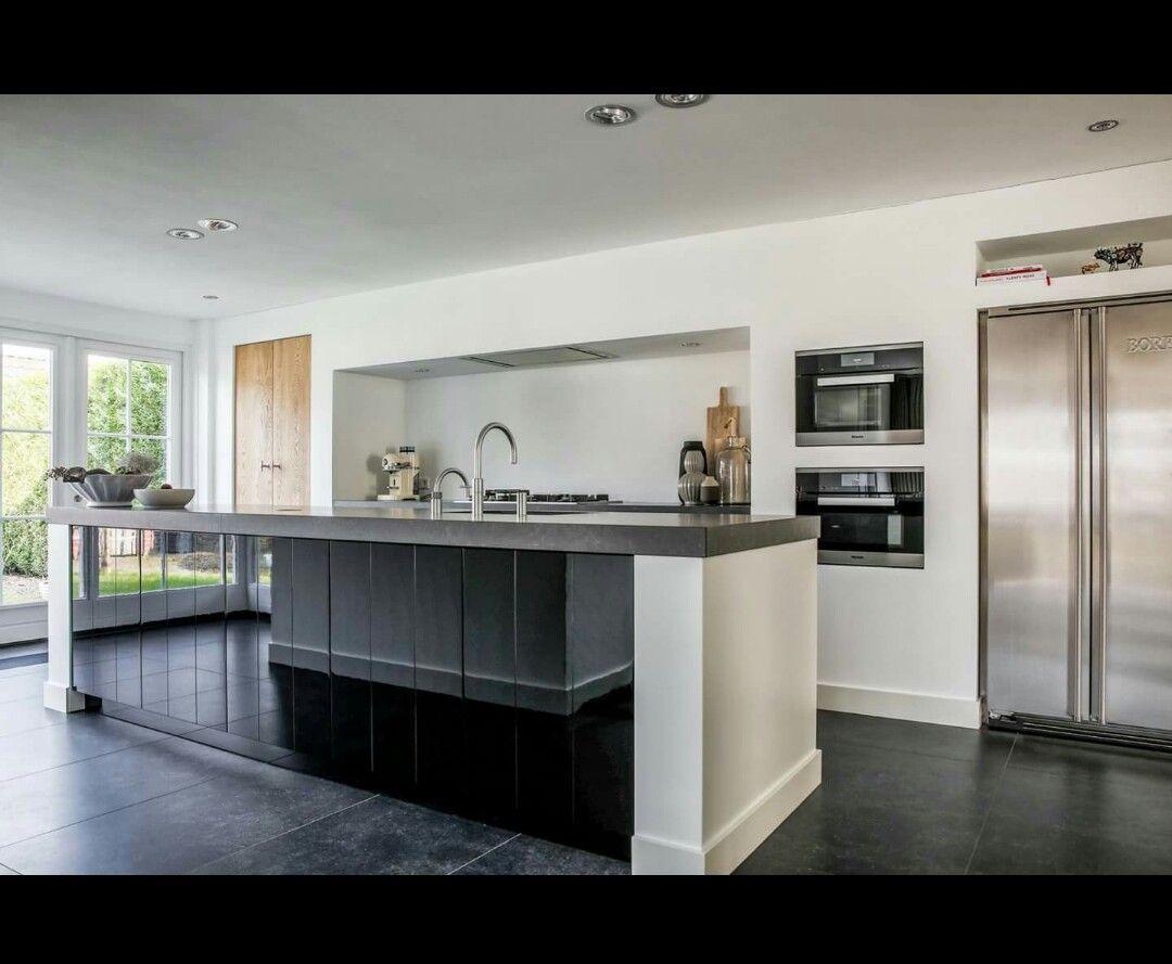Big #kitchen #black #white #modernstyle #modern #ideas #ideeën