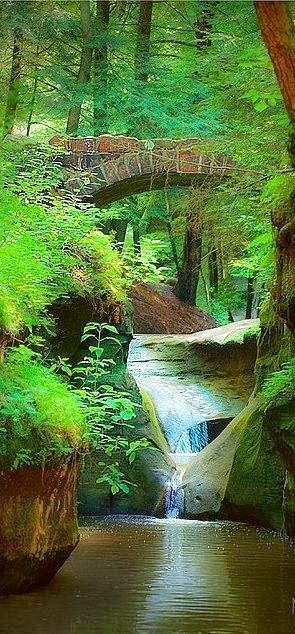 Old Man S Cave Gorge Logan Ohio Places To Travel Beautiful Places Places Around The World