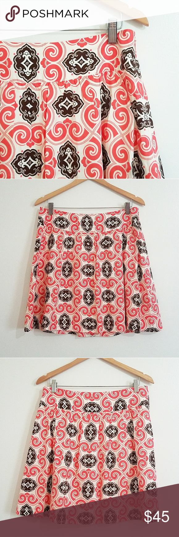 Vineyard Vines Skirt Trendy Vineyard Vines Skirt. Size 10. Shell: 52% Silk 48% Cotton. Lining: 100% Acetate. Vineyard Vines Skirts