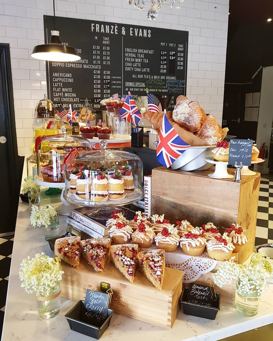 Best Dog Friendly Cafes In London 画像あり