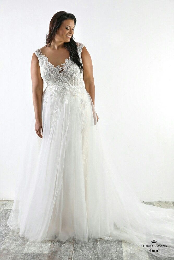 Breathtaking mermaid plus size wedding gown with detachable tulle ...