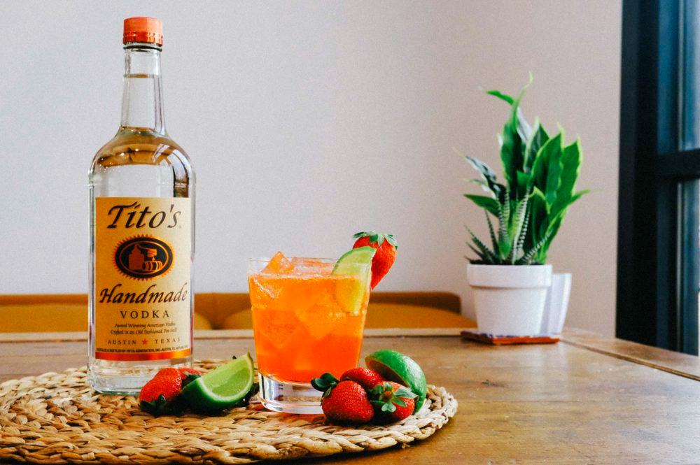 Tito S Strawberry Fresca Recipe Drinks Alcohol Recipes Vodka Fresca