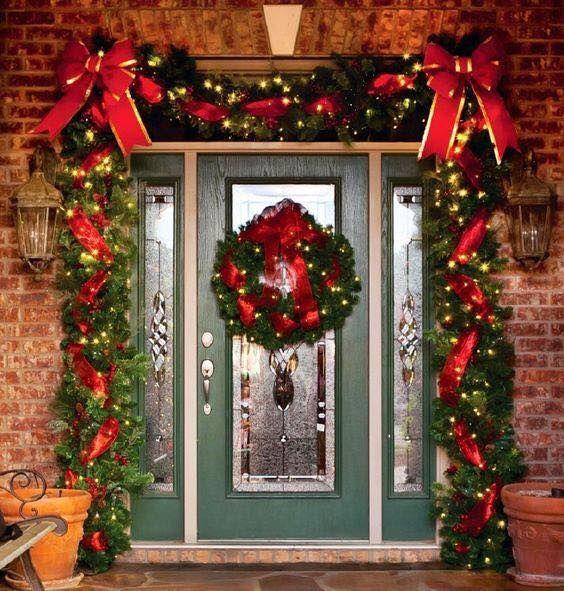 Ideas para decorar la entrada de tu casa esta navidad 2017 for Adornos navidenos 2018 para puertas