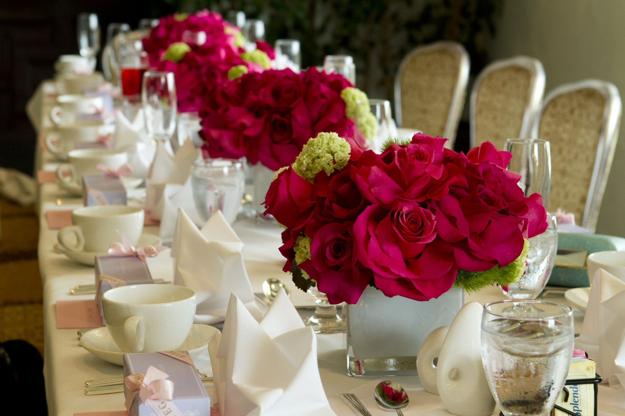 decorations luxury long table decoration with beautiful red flower