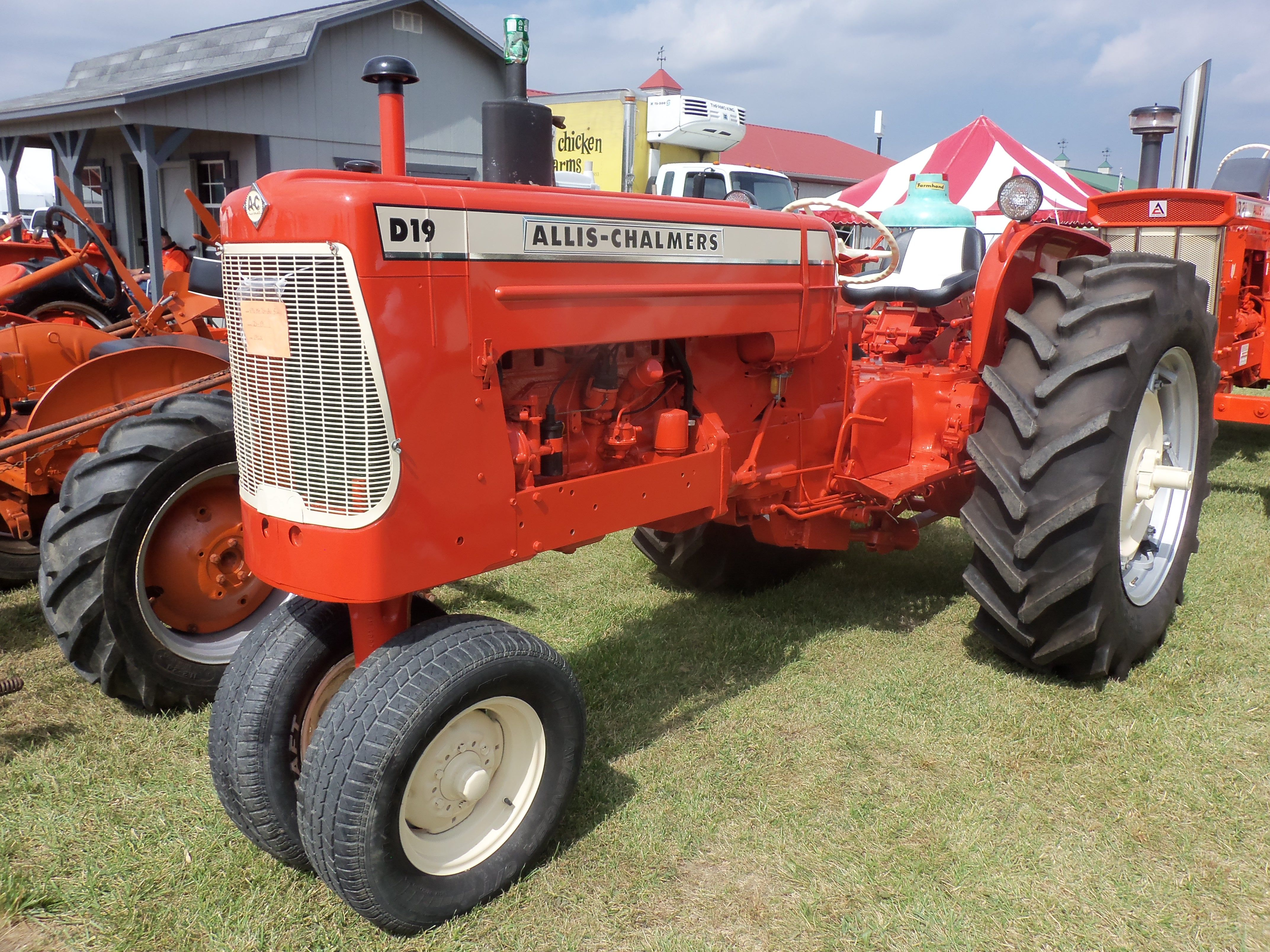 1962 Allis CHalmers D19 tricycle 66hp Love seeing these tricycle