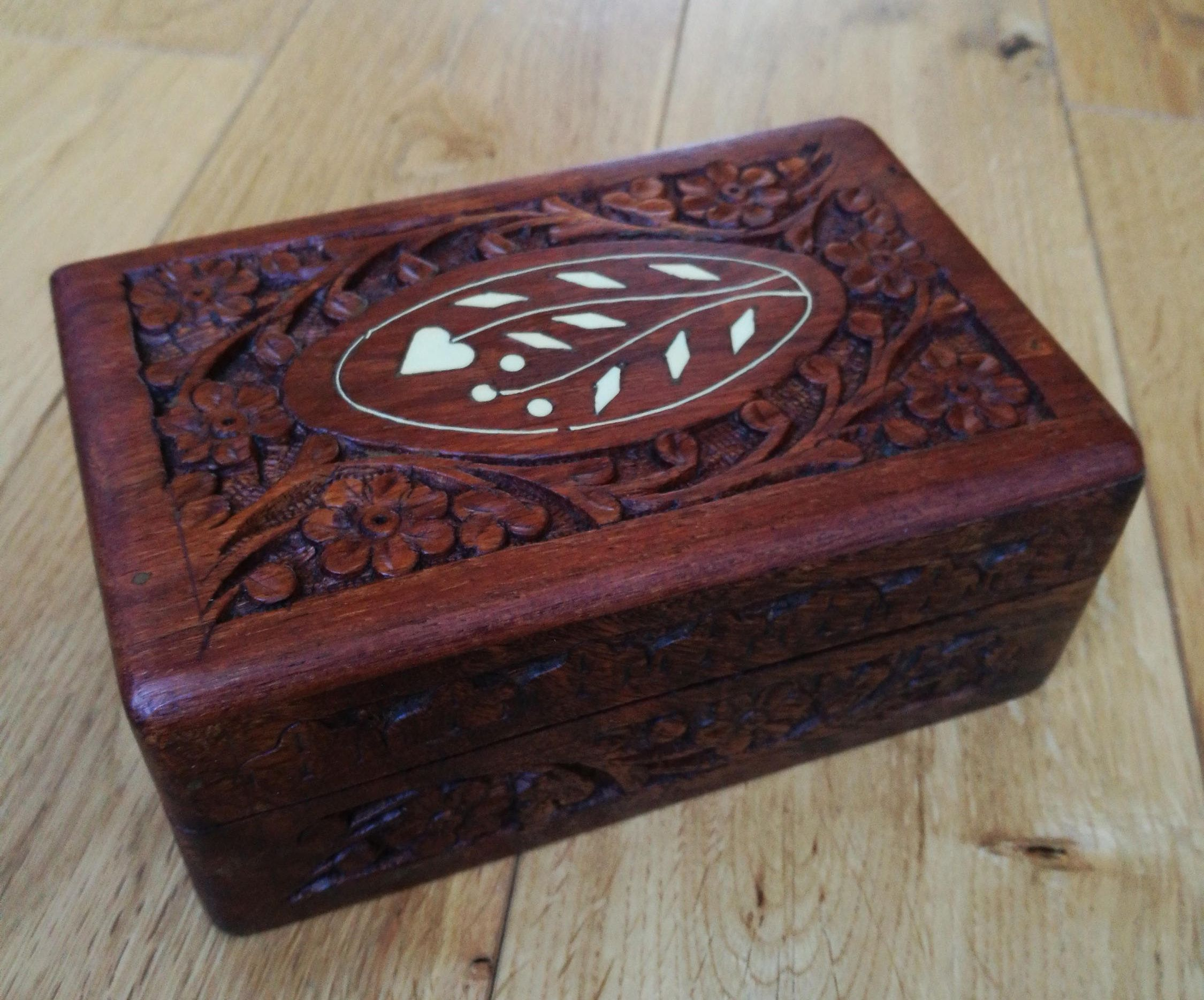 Vintage Hand Carved Wooden Box Indian Box Carved Wooden Indian Jewellery Or Trinket Box Vintage Hand Carved Inlaid Wooden Tarot Box Wooden Boxes Hand Carved Trinket Boxes