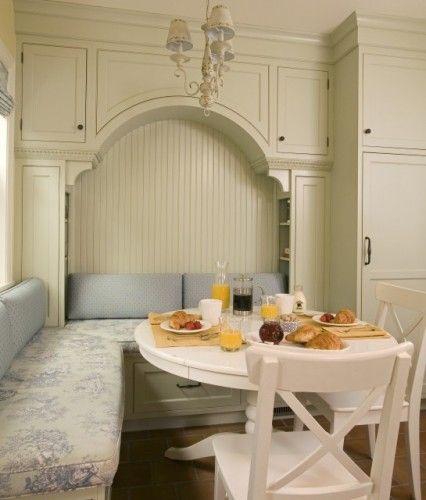 The Built-In Breakfast Nook: