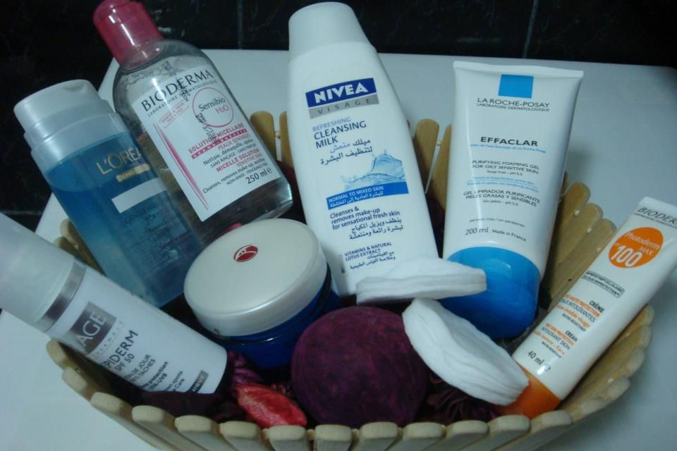 Reposted From Prettywoman Blog Get Regrann مسا الخير بنات كيف حالكم اليوم حبيت أتكلم عن غسول من ماركة لاروش Hand Soap Bottle Soap Bottle Shampoo Bottle