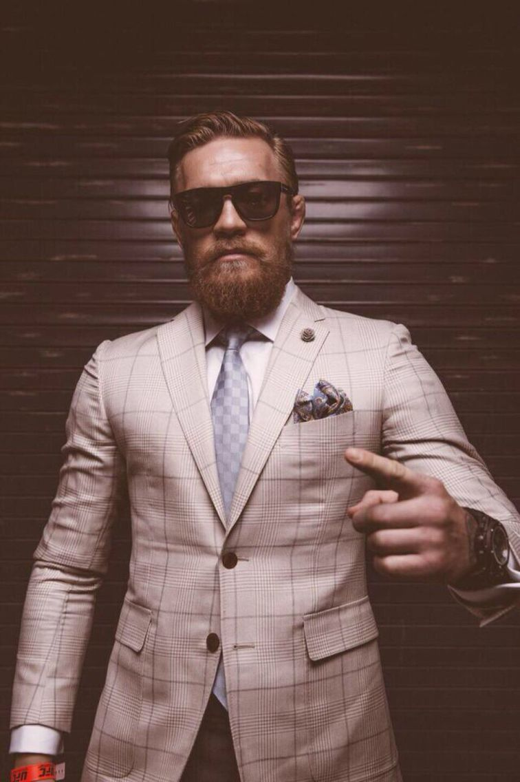 Conor Mcgregor On Twitter Conor Mcgregor Suit Mcgregor Suits Conor Mcgregor Style