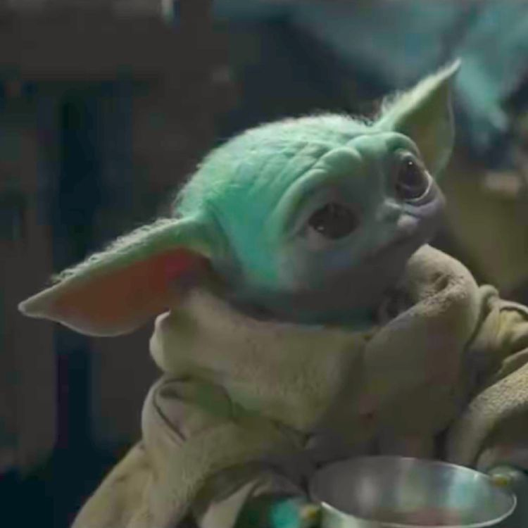 Pin By Roxanne Sengvilay On Baby Yoda Star Wars Characters Yoda Star Wars Characters Pictures Star Wars Movies Posters