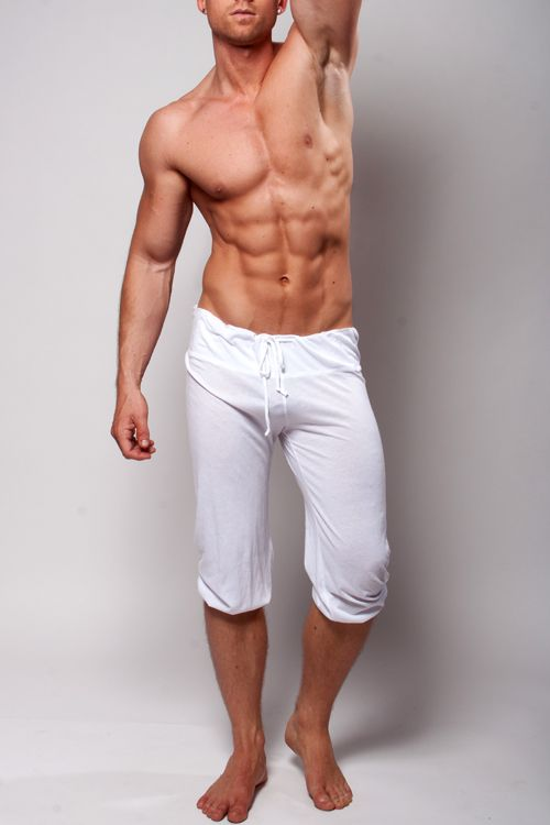 These Functional Pilates Pants Capri Shorts In White For Men Are Perfect Avoiding Embarrassing Pant Displacement Those Bendy Yoga Or